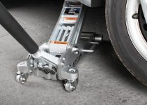 Arcan vs. Pittsburgh Floor Jacks: Which One is Better?