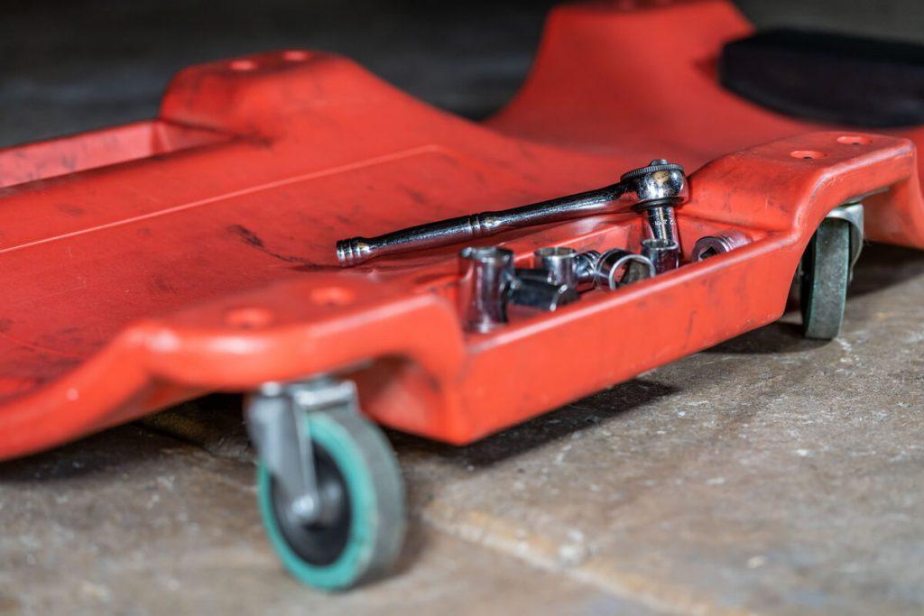 Mechanic creeper storage space