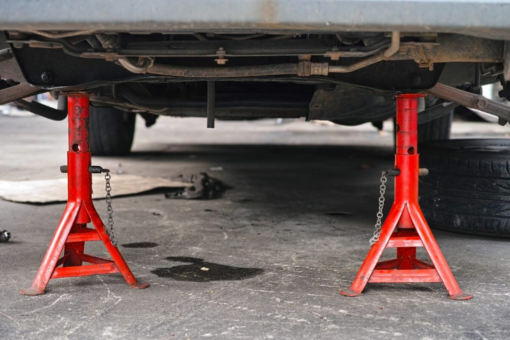 jack stands for auto mechanics