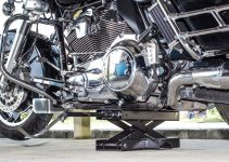 7 Best Motorcycle Jacks For Your Two-Wheeled Companion